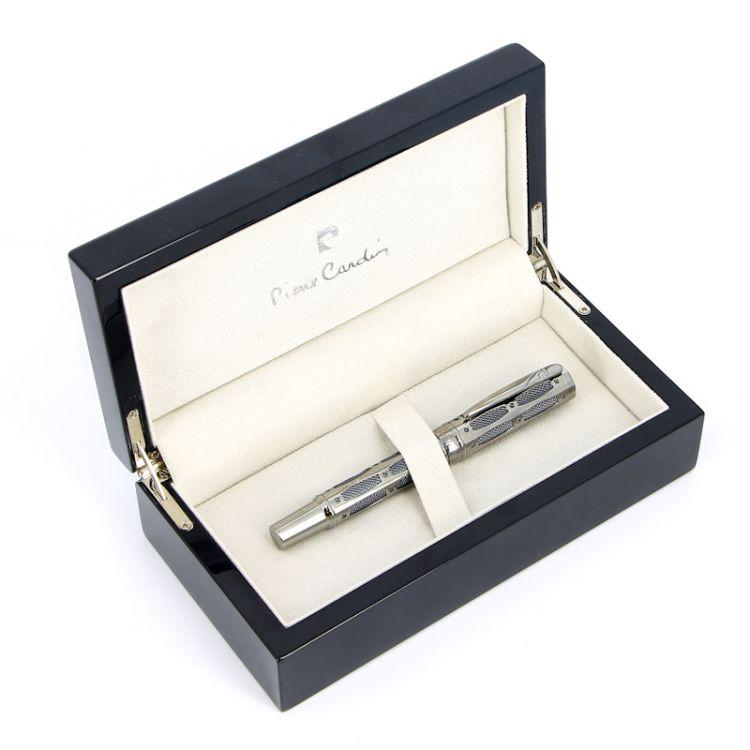 Ручка перьевая Pierre Cardin The ONE, цвет - серебристый и черный. Упаковка L.