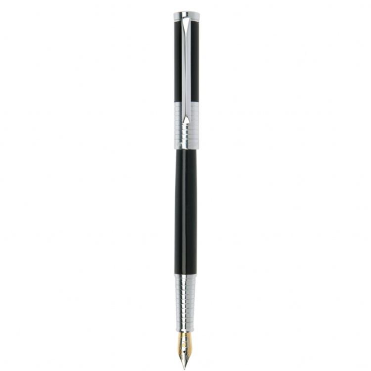 Ручка перьевая Pierre Cardin EVOLUTION. Цвет - черный. Упаковка В.