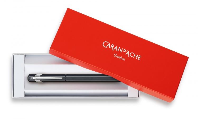 Перьевая ручка Caran d'Ache Office 849 Classic Black перо F