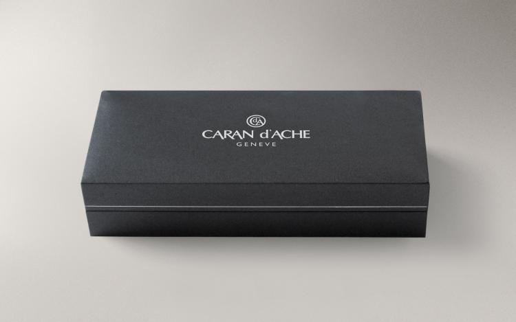 Ручка перьевая Carandache Ecridor Chevron gilded  F сталь позолоченная подар.кор.