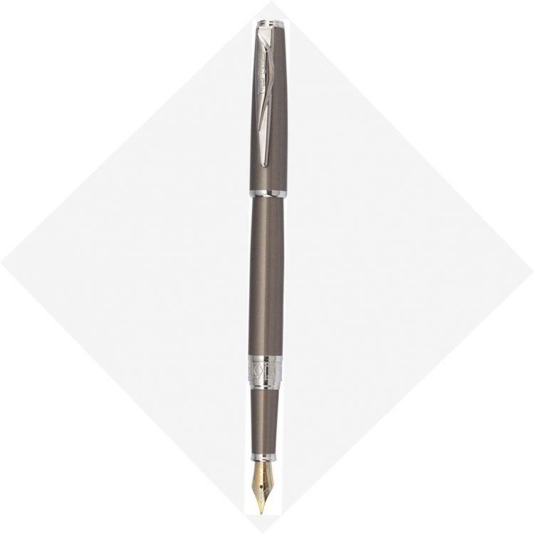 Перьевая ручка Pierre Cardin SECRET Business. Корпус и колпачок - латунь и лак. Отделка и детали дизайна -  сталь, хром. Цвет - перламутровый бежевый.