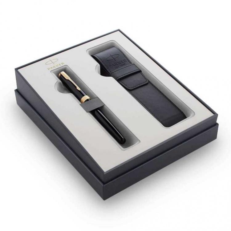 Подарочный набор Parker Sonnet с перьевой ручкой и чехлом Black GT, перо M