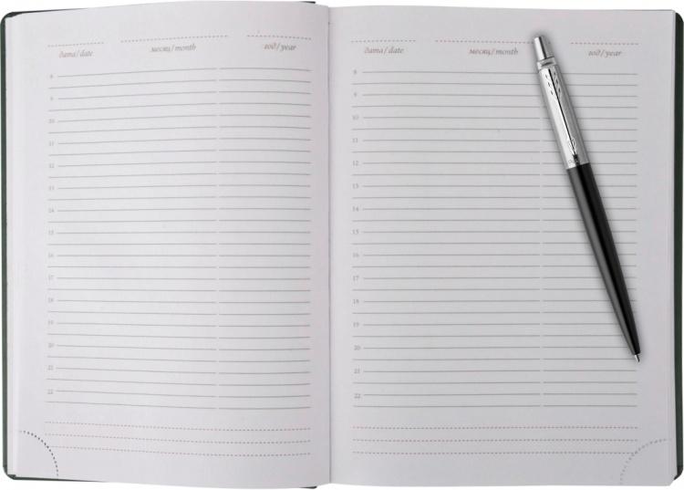 Набор с гравировкой Parker: Ежедневник черный из эко-кожи с тиснением и ручка шариковая Jotter Essential Satin Black CT, корпус черного цвета