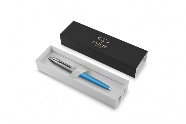 Шариковая ручка Parker Jotter, цвет SKY BLUE, цвет чернил синий, толщина линии M , в подарочной коробке