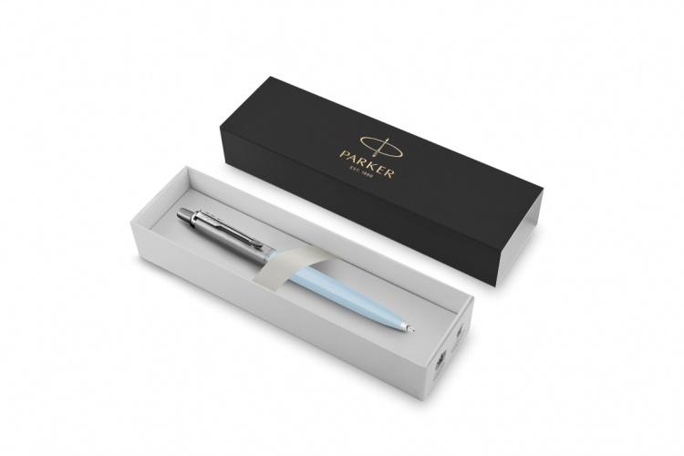 Шариковая ручка Parker Jotter, цвет ARCTIC BLUE, цвет чернил синий, толщина линии M , в подарочной коробке