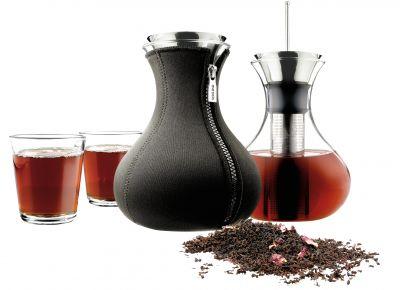 DF20161334 Eva Solo. Заварочный чайник в неопереновом чехле 1 л чёрный и 2 стакана
