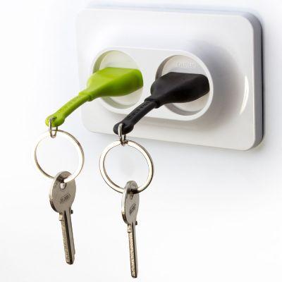 DF2016152 Qualy. Двойной брелок+держатель для ключа unplug черный