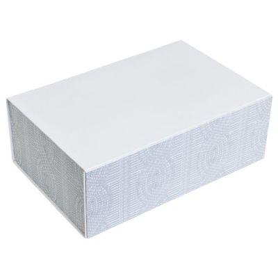 """HG1509948 Rusgifts. Коробка подарочная """"Irish""""  складная,  белый,  20*30*11  см,  кашированный картон, тиснение"""