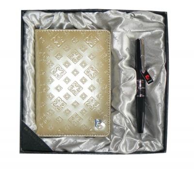 PS1138GD Набор: Обложка для паспорта и ручка. Ручка шариковая, латунь+лак, акрил, хром. Цвет золотой.