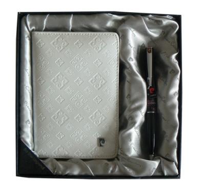 PS1138WH Набор: Обложка для паспорта и ручка.  Ручка шариковая, латунь+лак, акрил, хром. Цвет белый.