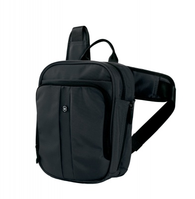 GR1711131463 Victorinox Lifestyle and Travel Accessories. Сумка VICTORINOX Deluxe Travel Companion, с наплечными ремнями, чёрная, нейлон 800D, 21x10x27 см, 6л