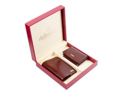 OA2003026745 Diplomat. Подарочный набор: обложка для паспорта и визитница