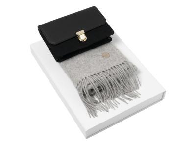 OA2003028407 Cacharel. Подарочный набор: дамский клатч, шарф. Cacharel