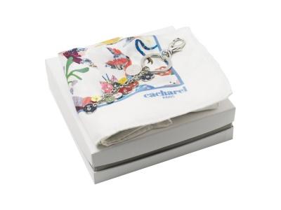 OA2003028439 Cacharel. Подарочный набор: шелковый платок, брелок. Cacharel