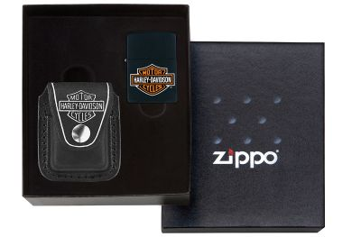 GR171113918 Zippo Зажигалки шиpокие. Набор ZIPPO Harley-Davidson®: зажигалка 218HD.H252 и чехол HDP6 в подарочной коробке