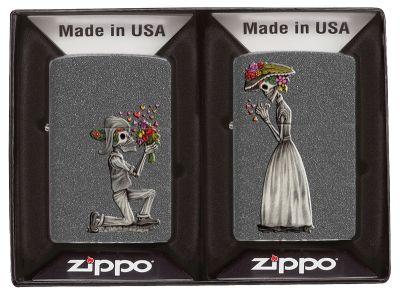 GS184061987 Zippo. Набор ZIPPO Влюбленные зомби из двух зажигалок с покрытием Iron Stone™, серые, матовые