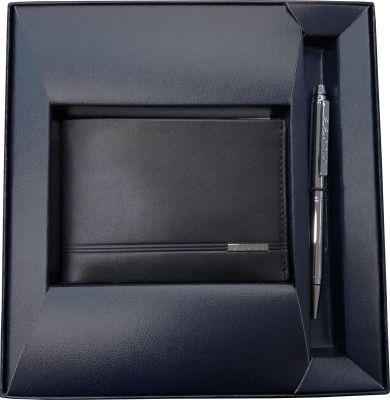 GR171113905 Cross Century Classic. Набор Cross Century Classic: портмоне, черная кожа + шариковая ручка, цвет - серебристый. Кожа - наппа, 4 кармана для карт, 1 отделение для валют, 2 м
