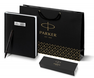 2127618 + 2645.30 Набор с гравировкой Parker: черный ежедневник и черная шариковая ручка Parker IM Black Edition, цвет чернил синий