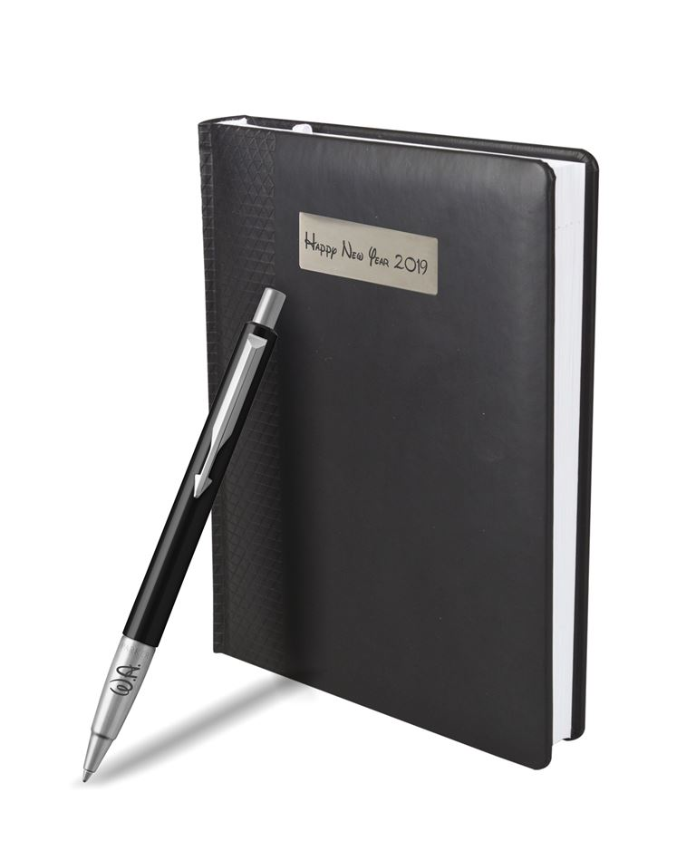 2025442MAL Набор с гравировкой: Ежедневник недатированный и Шариковая ручка Parker Vector Standard K01, цвет: Black